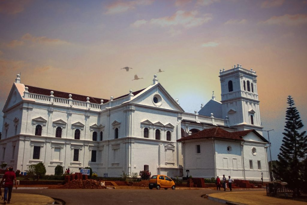 Goa-Basilica-of-Bom-Jesus-Church